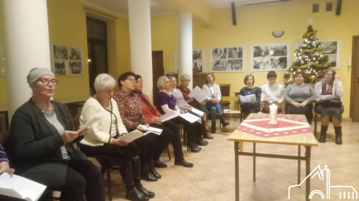 17 I 2020 – Akcja Katolicka i lektorzy starsi śpiewają kolędy