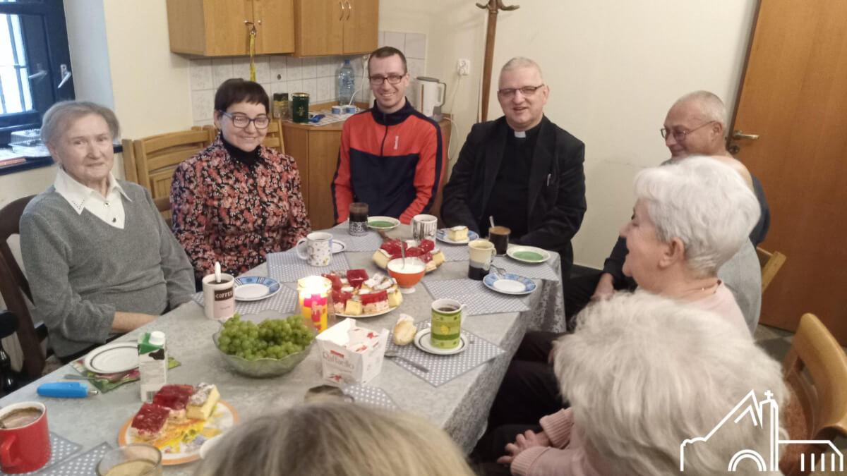 16 X 2020 – Wspólnota św. Marty po sprzątaniu kościoła